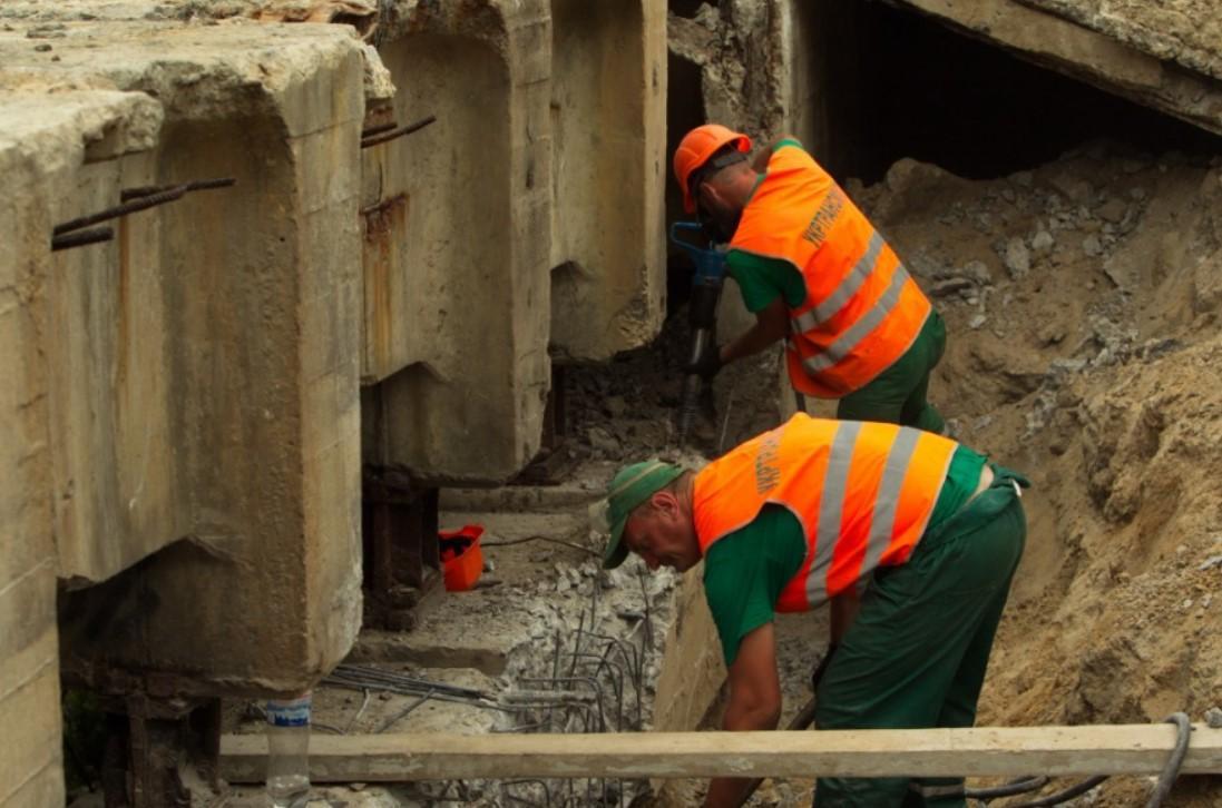 Продолжаются работы по реконструкции Борщаговского путепровода / kiev.klichko.org
