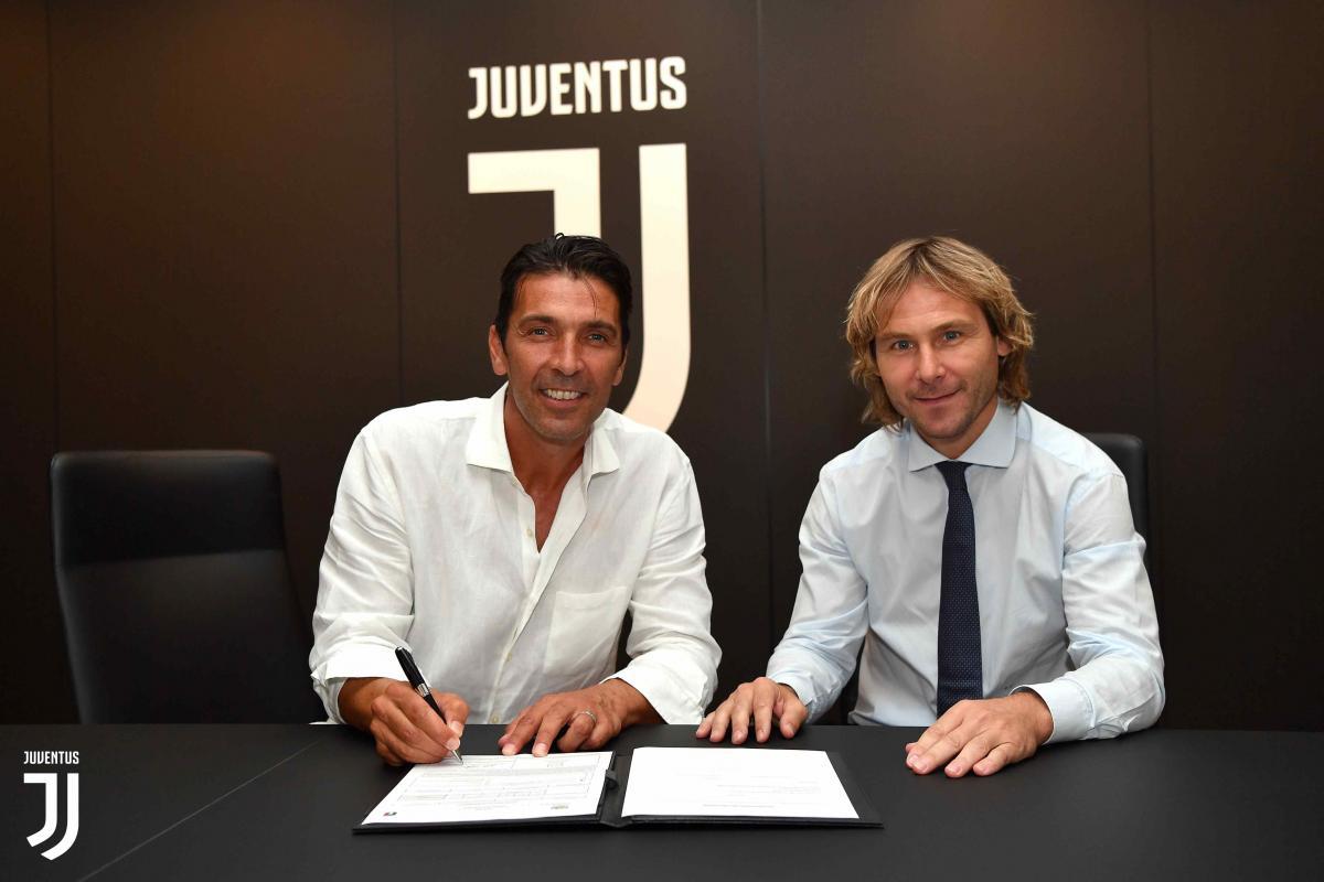 Буффон подписал контракт на один сезон / фото: FC Juventus