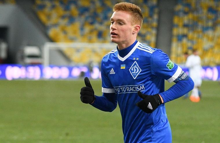 Виктор Цыганков признан лучшим игроков сезона / фото: dynamo.kiev.ua