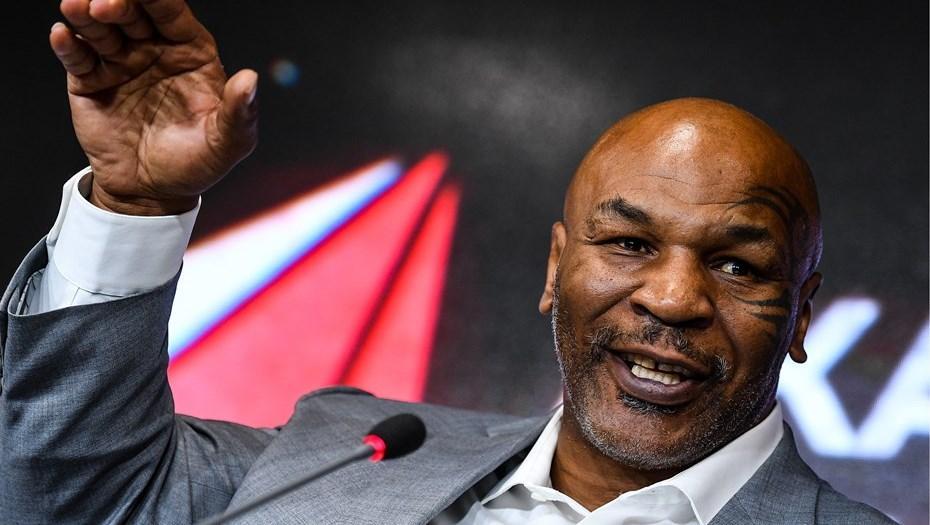 В 1985 году американский боксер Майк Тайсон начал профессиональную карьеру, нокаутировав Гектора Мерседеса / фото REUTERS