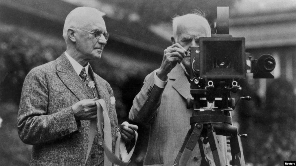 Джордж Истман, основатель Eastman Kodak Company, и Томас Эдисон / REUTERS