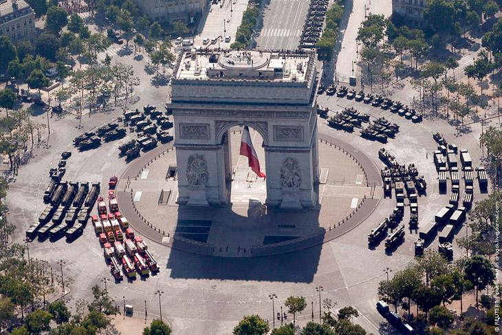 Парад в Париже в День взятия Бастилии / Фото из открытых источников