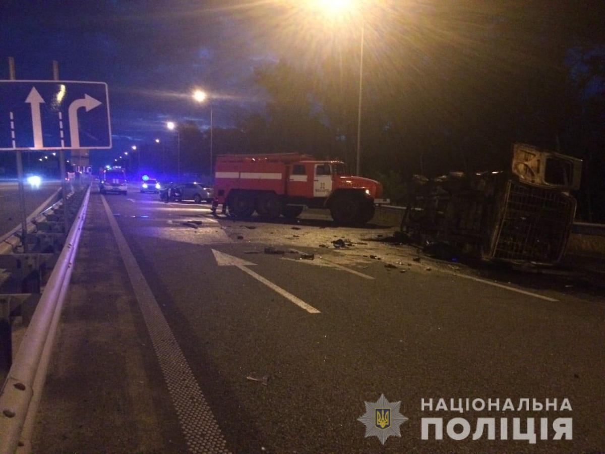 На Киевщине в результате ДТП в огне погибли двое военнослужащих / facebook.com/pol.kyivregion