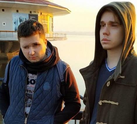Хлопці скинули чоловіка з моста в річку / Vyacheslav Abroskin
