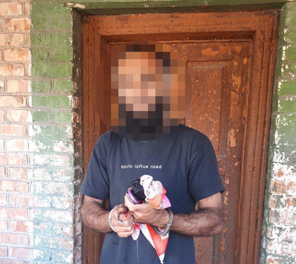 Азербайджанец ранил ножом женщину и двух мужчин / фото ГУ НП в Днепропетровской области