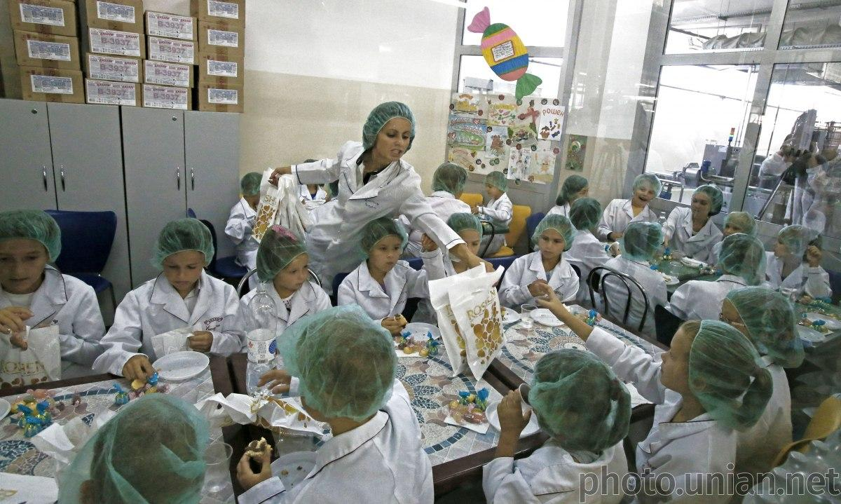 В день шоколада проводят экскурсии на шоколадные фабрики, заводы и кондитерские / фото УНИАН
