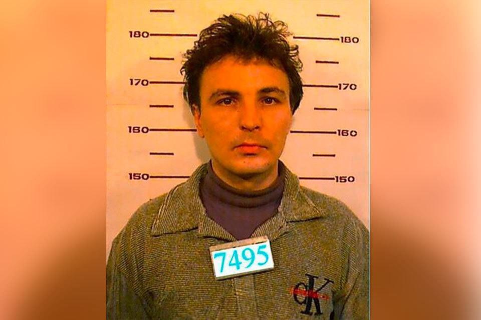 В период с 1992 по 1995 год изнасиловал по меньшей мере 37 девочек в возрасте от 6 до 13 лет / Олег Рыльков/Комсомольская правда