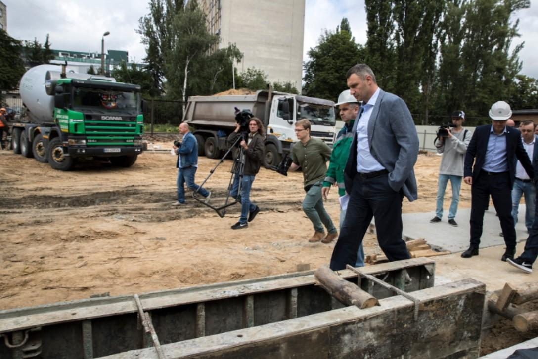 Klitschko at a subway construction site / Photo from kiev.klichko.org