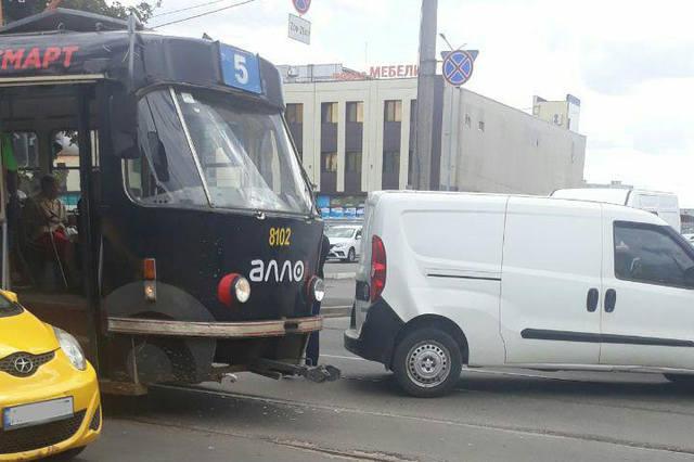 Інцидент стався в районі Кінного ринку / фото: харківський Telegram-канал