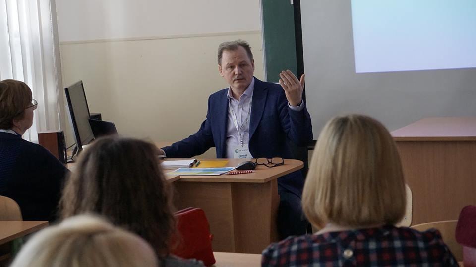 МОН выбрало образовательным омбудсменом учителя медиаграмотности Сергея Горбачева / фото facebook.com/sivangor
