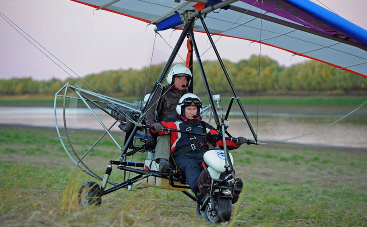 В 2011 году Владимир Путин заинтересовался полетом на дельталете со стерхами / Фото: avia.paradive.ru