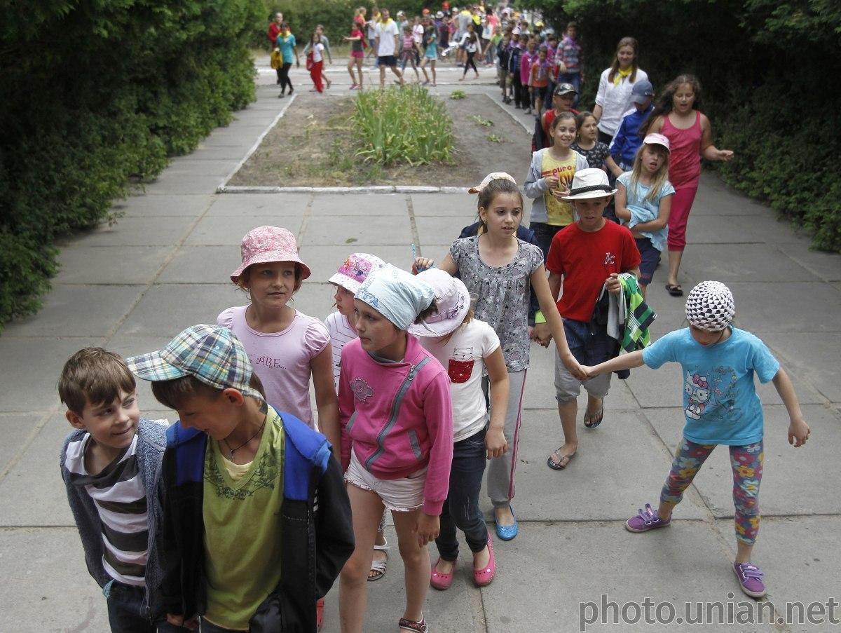 """Детские лагеря смогут работать только в """"зеленой"""" и """"желтой"""" зонах / фото УНИАН"""