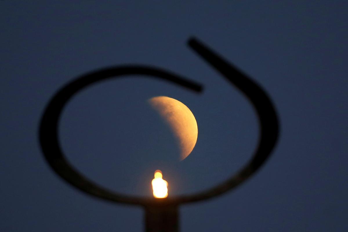 Новый месяц, 14 декабря - что нельзя делать в новолуние/ фото REUTERS