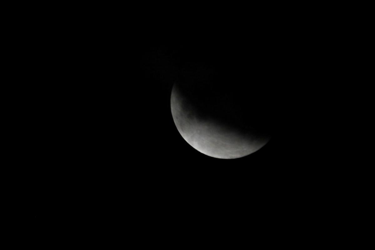 Астрологи утверждают, что Луна оказывает мощное влияние на человека / REUTERS