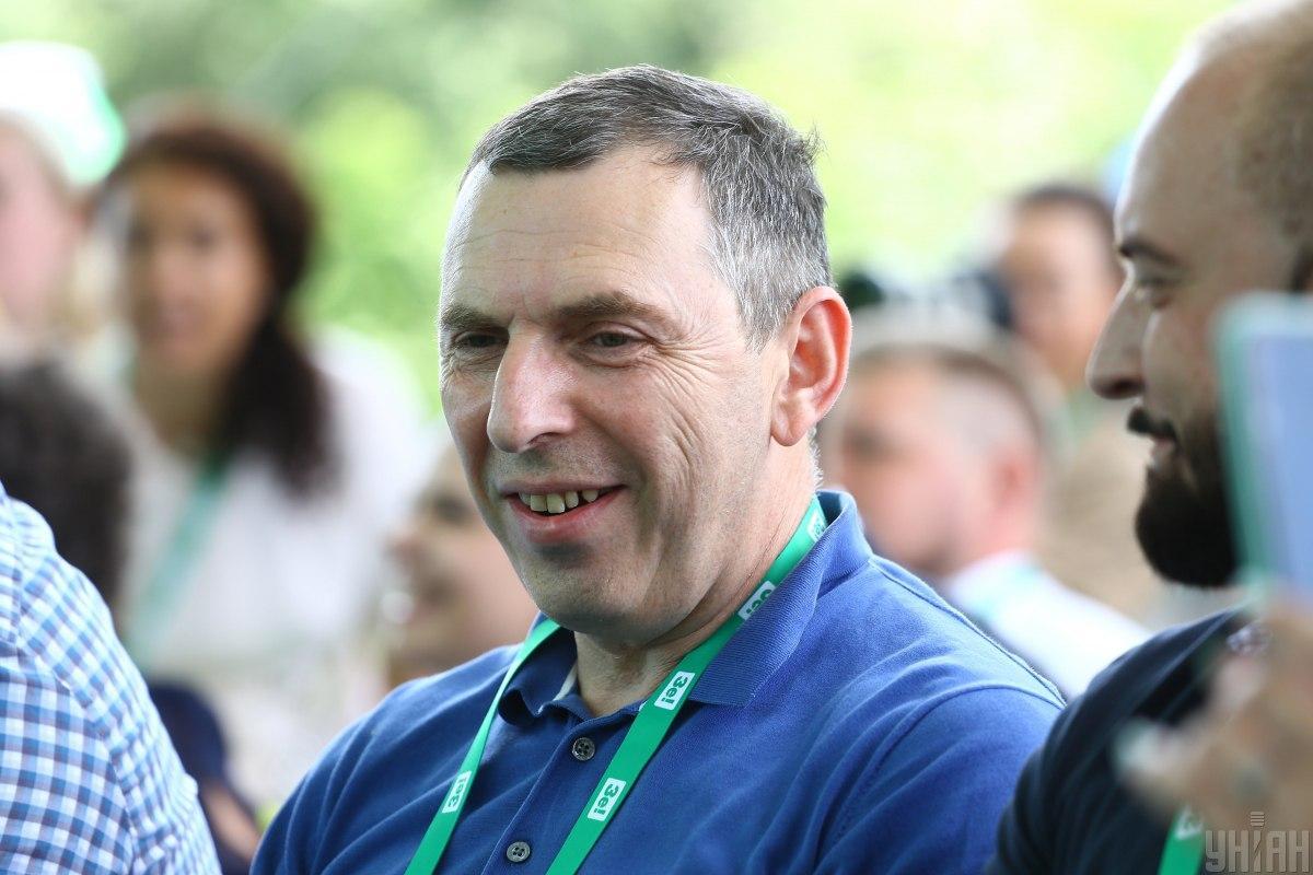 Машину Сергея Шефира обстреляли / фото УНИАН