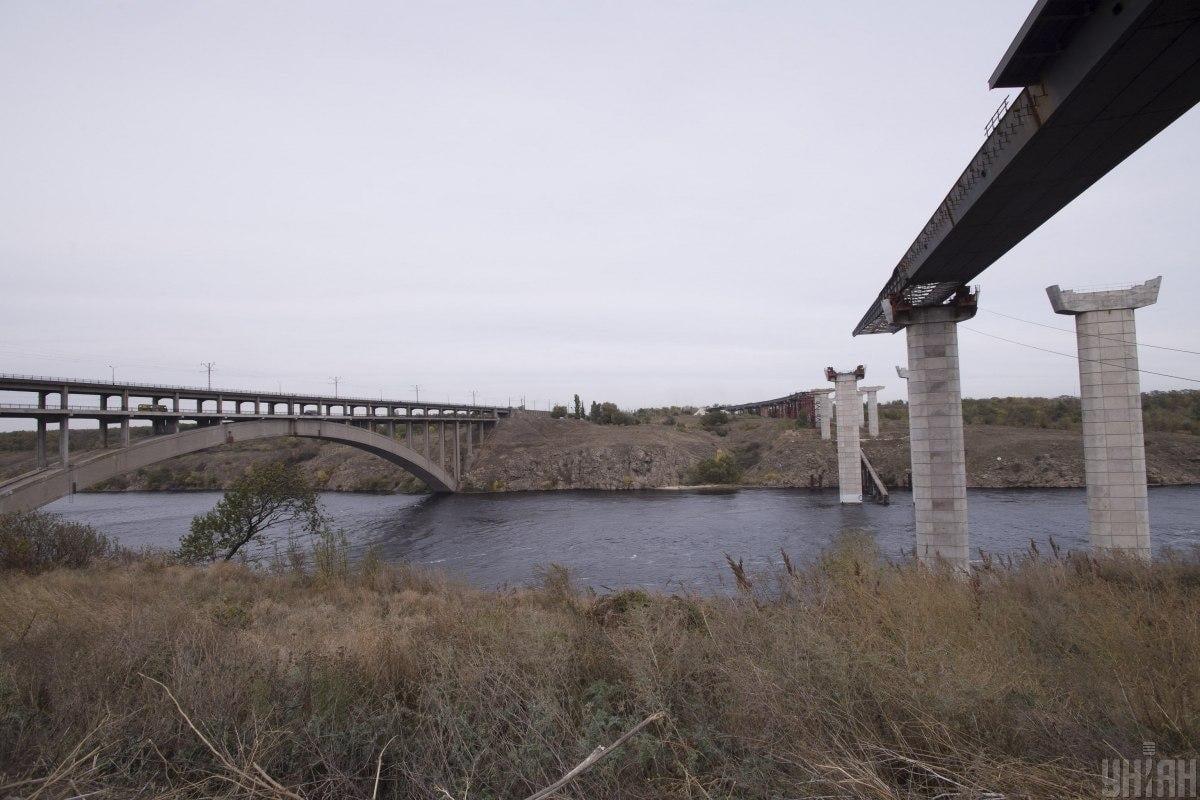 Зеленский приказал достроить мост в Запорожье / фото УНИАН