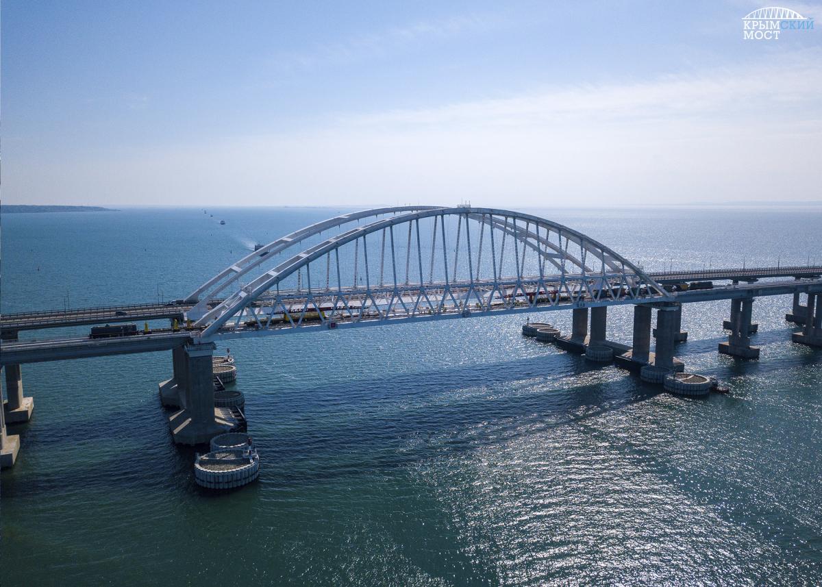 Оккупанты незаконно построили мост через Керченский пролив / фото most.life