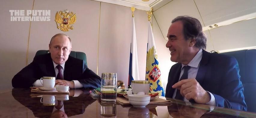 Путин и Стоун в кадре из пропагандистского документального фильма «Интервью с Путиным» / скрин видео SHOWTIME