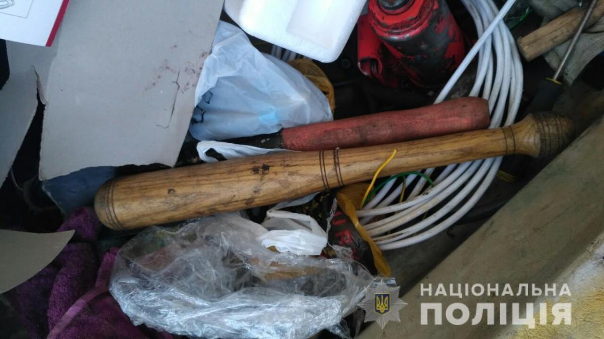 Задержанных вместе с автомобилем доставили в полицию / фото ГУ НП в Житомирской области