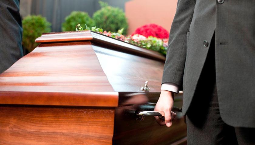 Ритуальныеслужбы со стрельбой решали, кому достанется тело покойного / фото: ru.etcetera.media