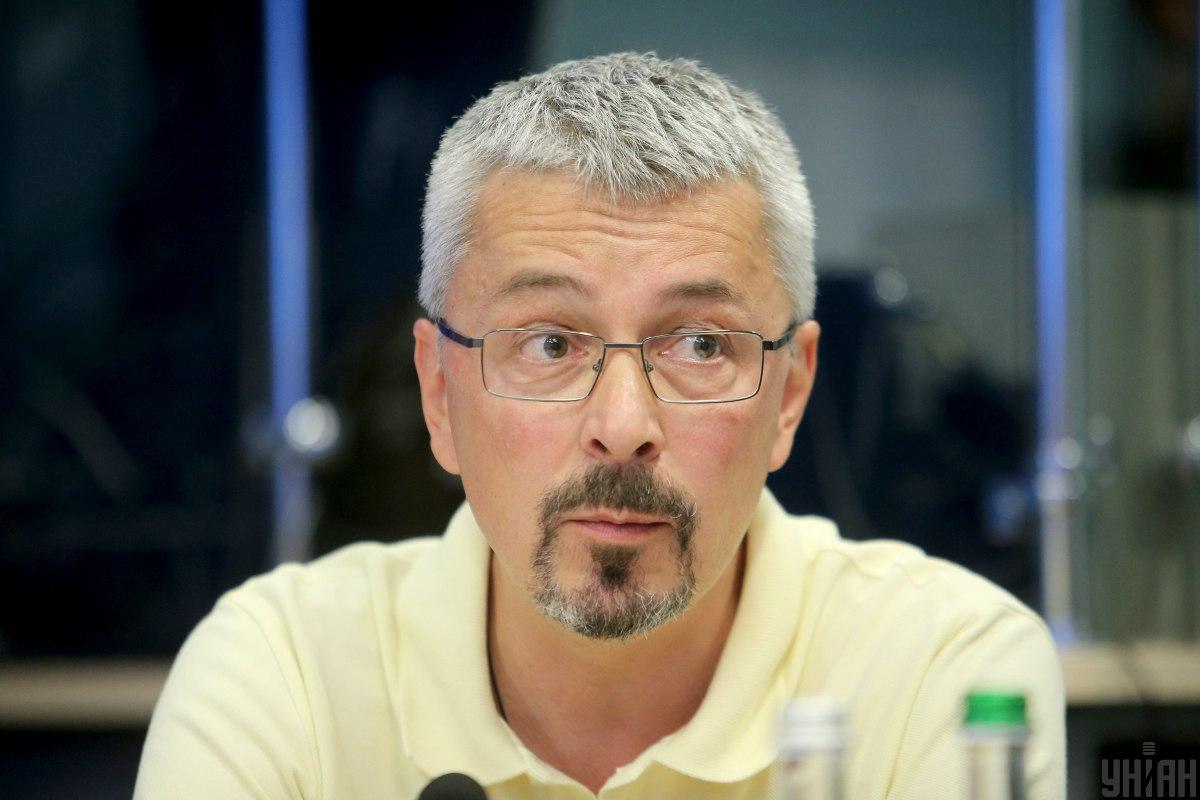 Решением наблюдательного совета Ткаченко было присвоено звание почетного президента группы / фото УНИАН
