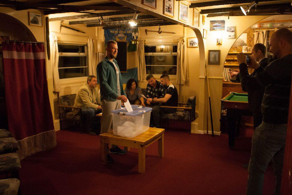 Как голосовали в Антарктиде на выборах в Раду / фото uac.gov.ua