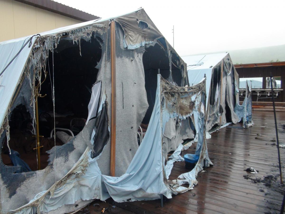 Сгоревший лагерь / REUTERS