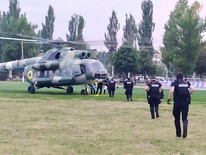 На округ у Покровську відправили гелікоптер зі спецпризначенцями/ МВС