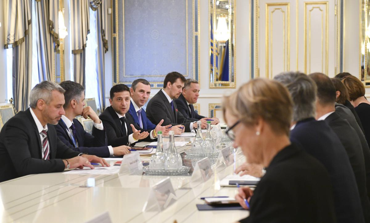 Zelensky meets with foreign envoys / Photo from president.gov.ua