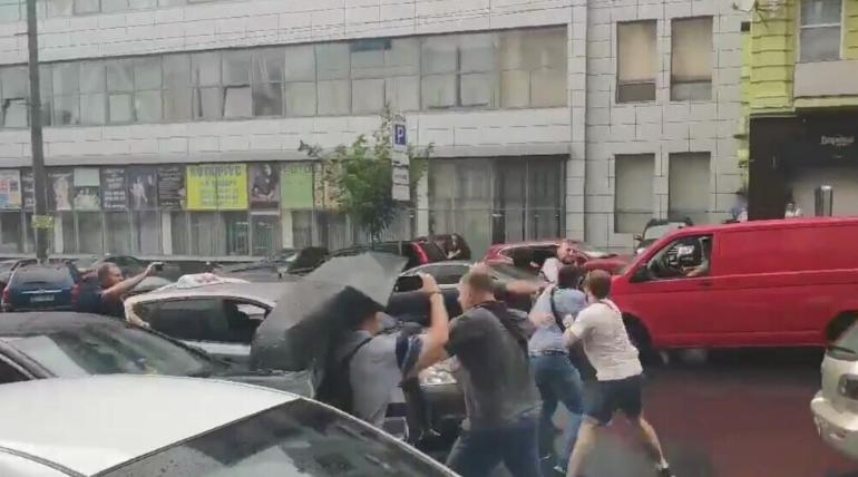 Инцидент произошел после допроса Порошенко в ГБР / Скриншот