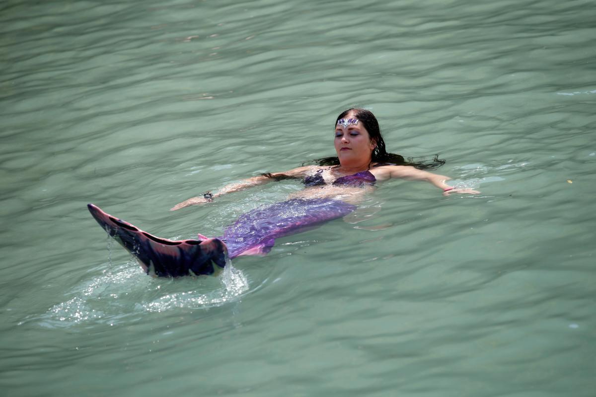 Чудовий пляжний костюм / Фото REUTERS