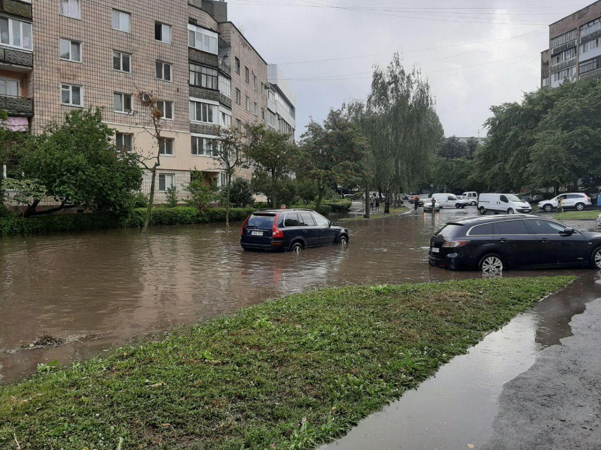 На Ривне обрушилось наводнение / фото пресс-служба ГСЧС