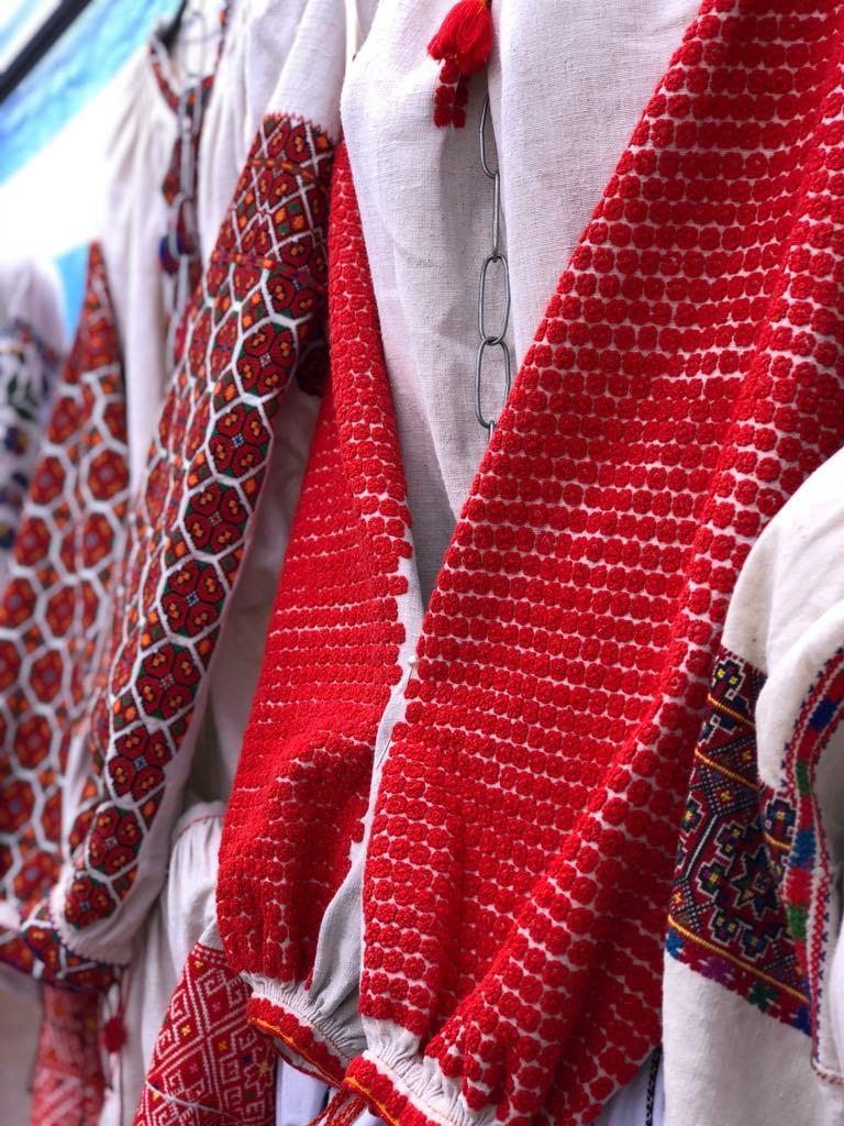 На ярмарке продавали традиционный украинский одежда и украшения / пресс-служба