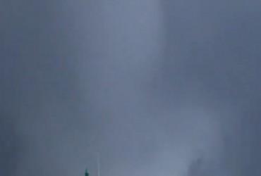 Корсику атаковали водяные смерчи (видео)