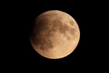 Полнолуние 8 апреля: в чем его особенность и как оно повлияет на знаки Зодиака