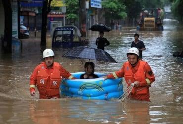 Более полумиллиона людей пострадали в результате наводнений на востоке Китая