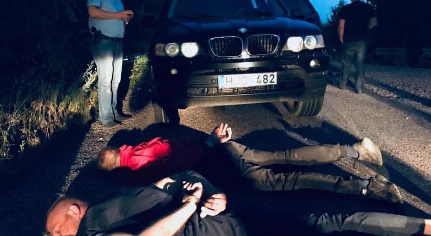 На Днепропетровщине банда рецидивиста, которого 2 дня назад отпустили под залог, подорвала банкомат (фото, видео)