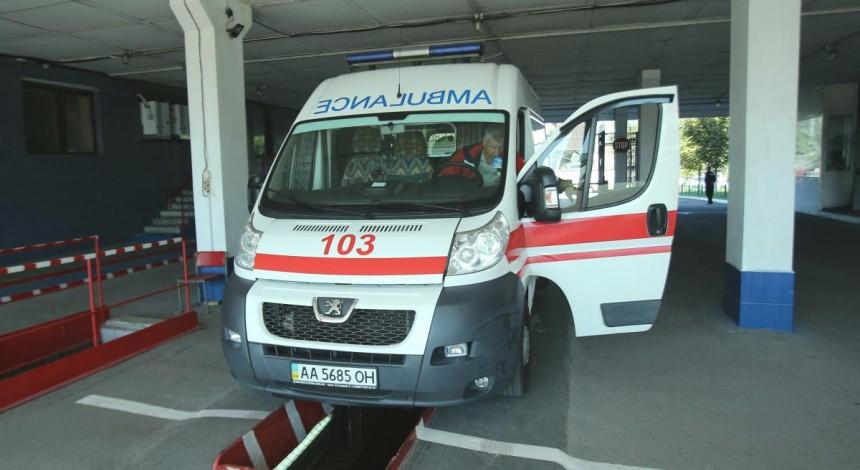 У Тернополі дівчину-підлітка побили в парку: швидка завезла у травмпункт