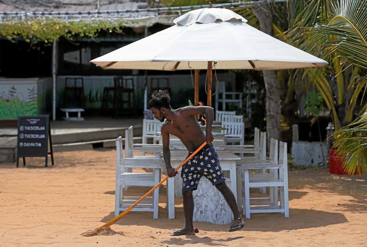 Туризм - одна з найбільш постраждалих через коронавірусгалузей економіки / Фото REUTERS
