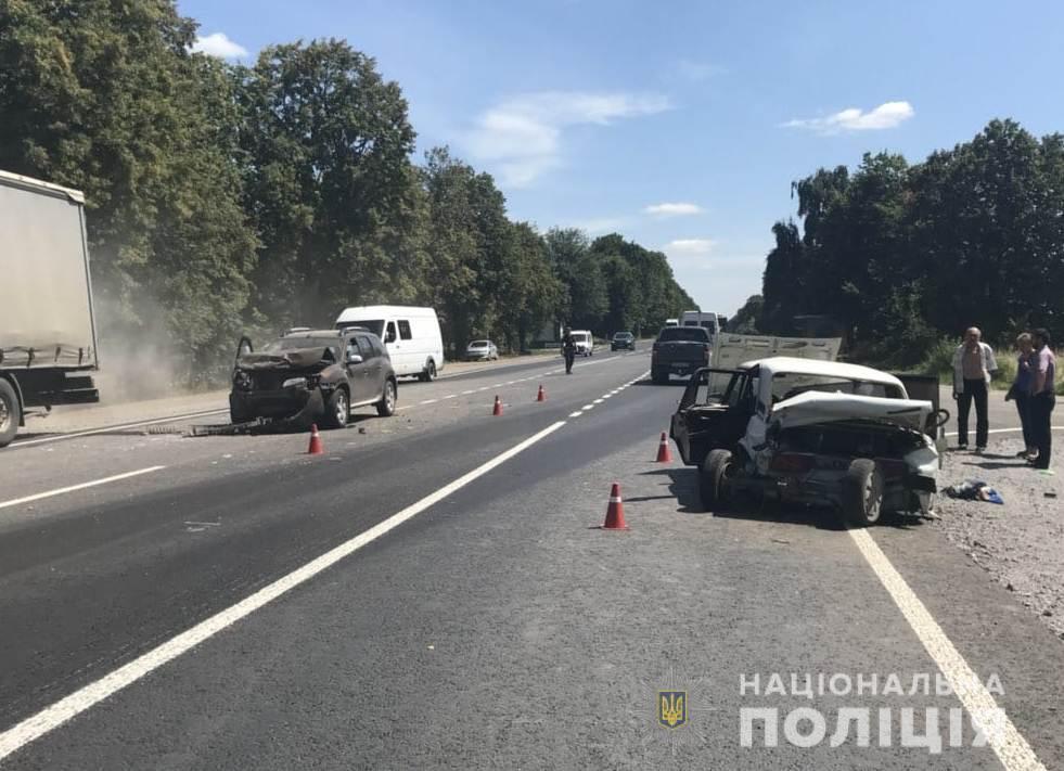 29-летний водитель Renault и двое его пассажиров не пострадали / фото: пресс-служба полиции