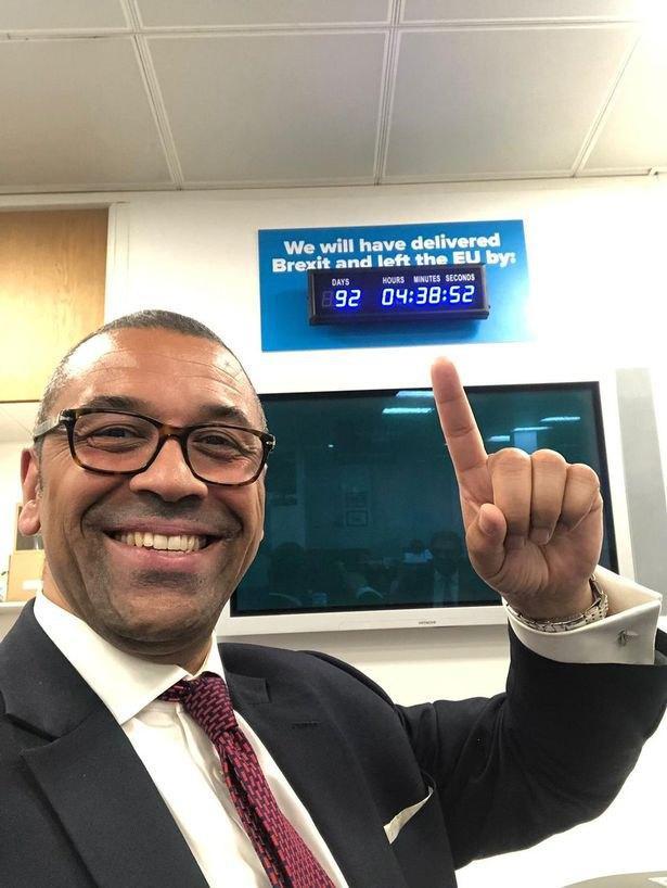 В резиденции Бориса Джонсона установили часы обратного отсчета / фото Daily Mirror