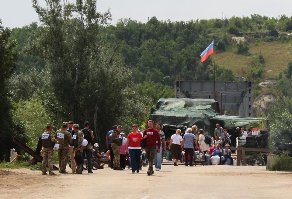 Мост облегчит пересечение линии столкновения гражданского населения / facebook.com/pressjfo.news