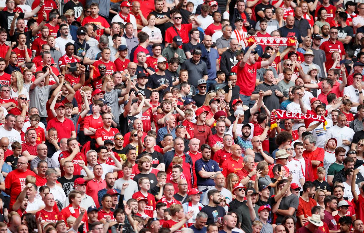 Фанаты Ливерпуля  REUTERS