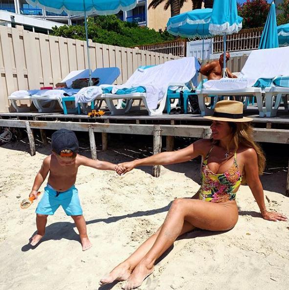 Седокова відпочиває з маленьким сином на Лазурному березі / Instagram Анна Сєдокова