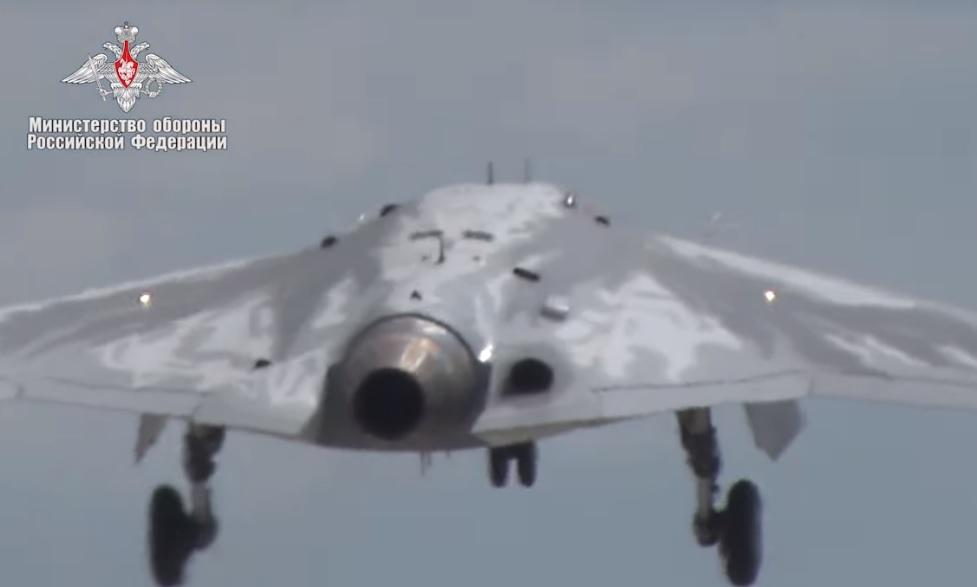 Размещено  видео первого полета русского  БЛА «Охотник»