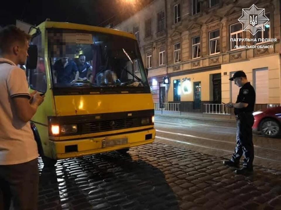 У 53-річного чоловіка виявили 1,17 проміле алкоголю у крові / фото: Управління патрульної поліції Львівської області