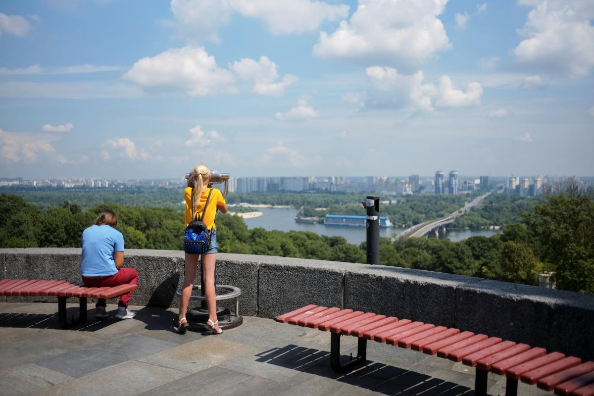 За півроку Київ відвідали майже 900 тисяч іноземних туристів