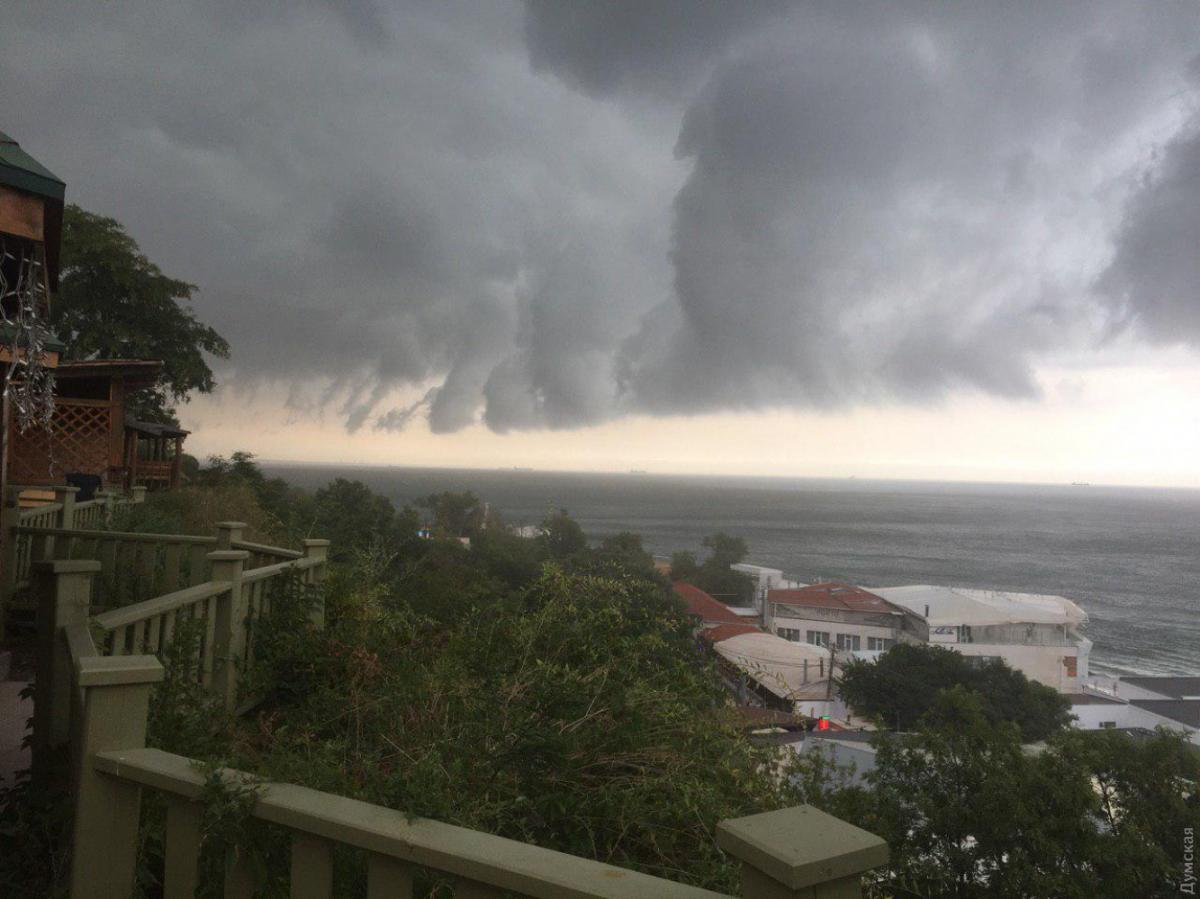 В Одессе бушует непогода / фото Думская