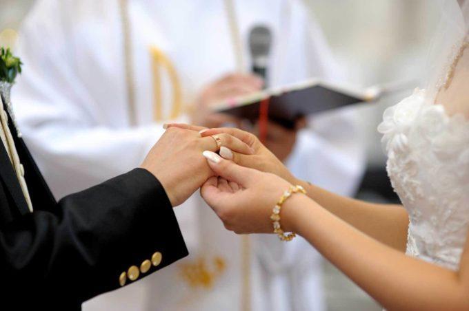 Шлюбний вік українських чоловіків і жінок - 18 років / фото wedding.ua