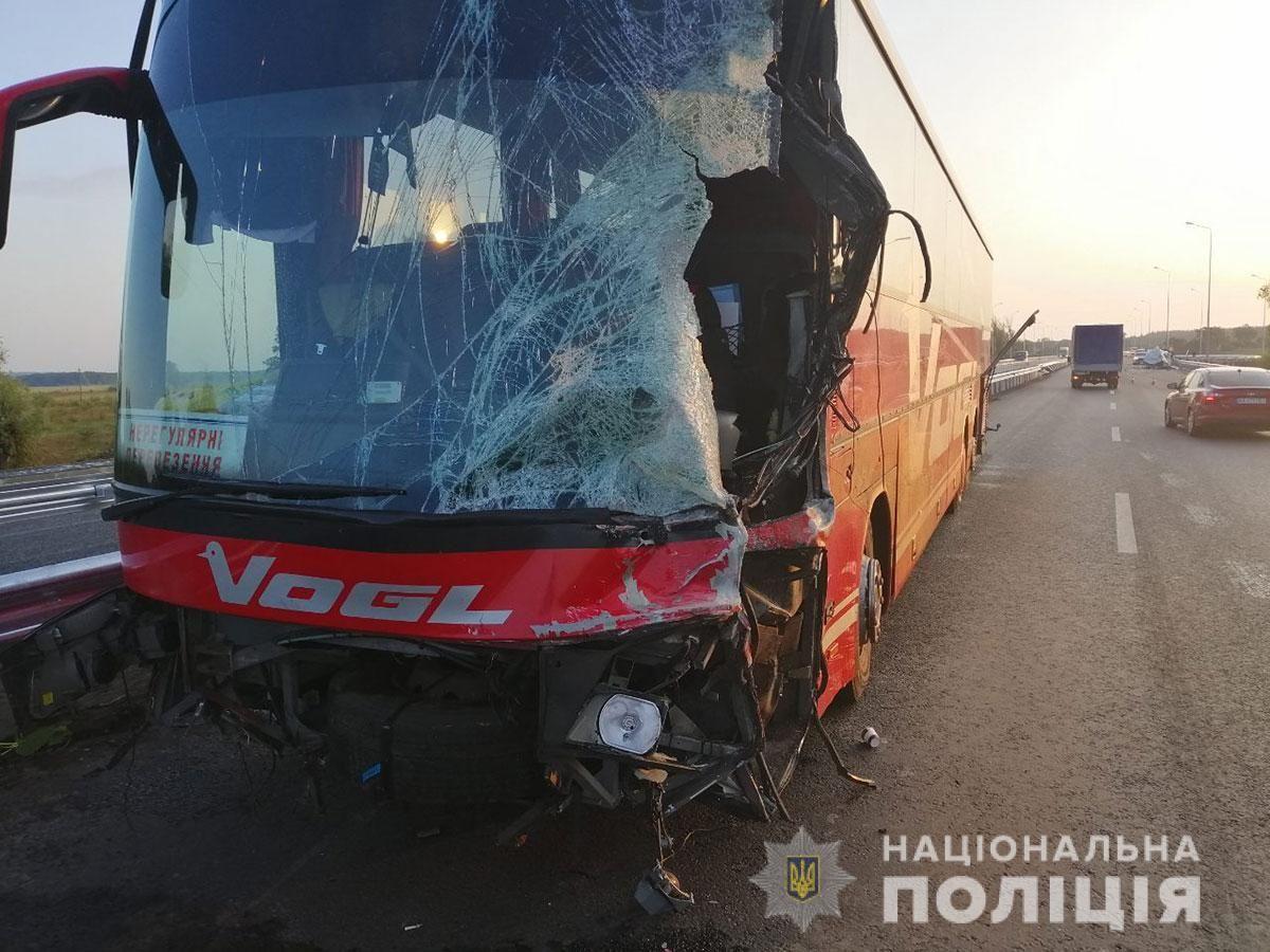 В Полтавской области столкнулись фургон и автобус / фото pl.npu.gov.ua